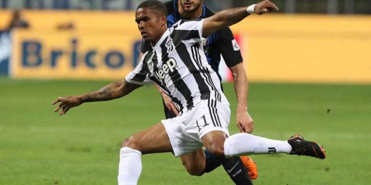 Douglas Costa ph Inter F.C.