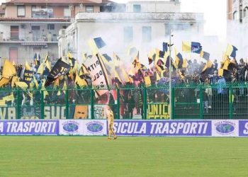 Tifosi Juve Stabia in trasferta ph Cristian Costantino
