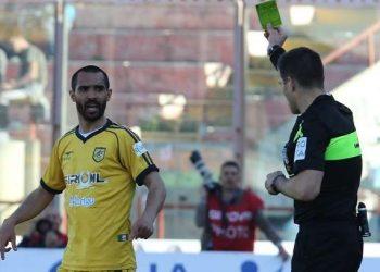 Vicente Juve Stabia viene ammonito ph Giuseppe Sergi
