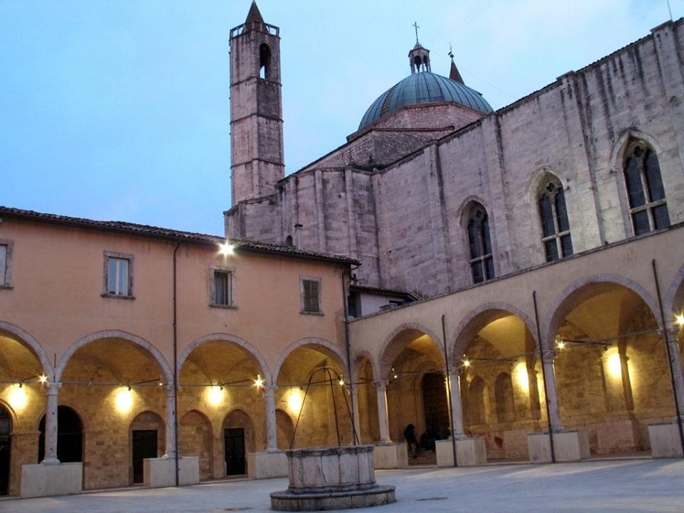 Il Chiostro di San Francesco ad Ascoli, location della presentazione del calendario di Serie B 19-20 ph Lega B
