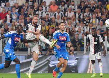 Ph Juventus, super gol Higuain