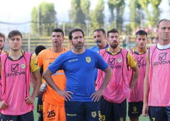Caserta e squadra ph Antonio Gargiulo Juve Stabia