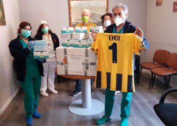 Donazione mascherine San Leonardo ph S.S. Juve Stabia