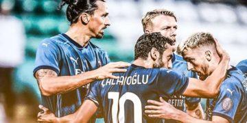 Ph AC Milan, Ibra e Calhanoglu