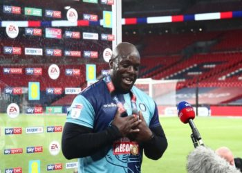 Ph Wycombe Wanderers, Akinfenwa Adebayo