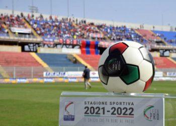 Pallone Lega Pro 21-22 Stadio Iacovone ph Capriglione Fotografi F.C. Taranto 1927